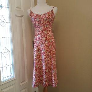 Express Pretty Ref Paisley Dress